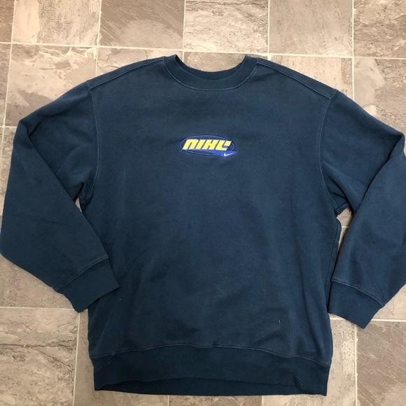 10111ca41d Men s vintage Nike crew neck sweatshirt. M 5b7992c447736891afa7a442